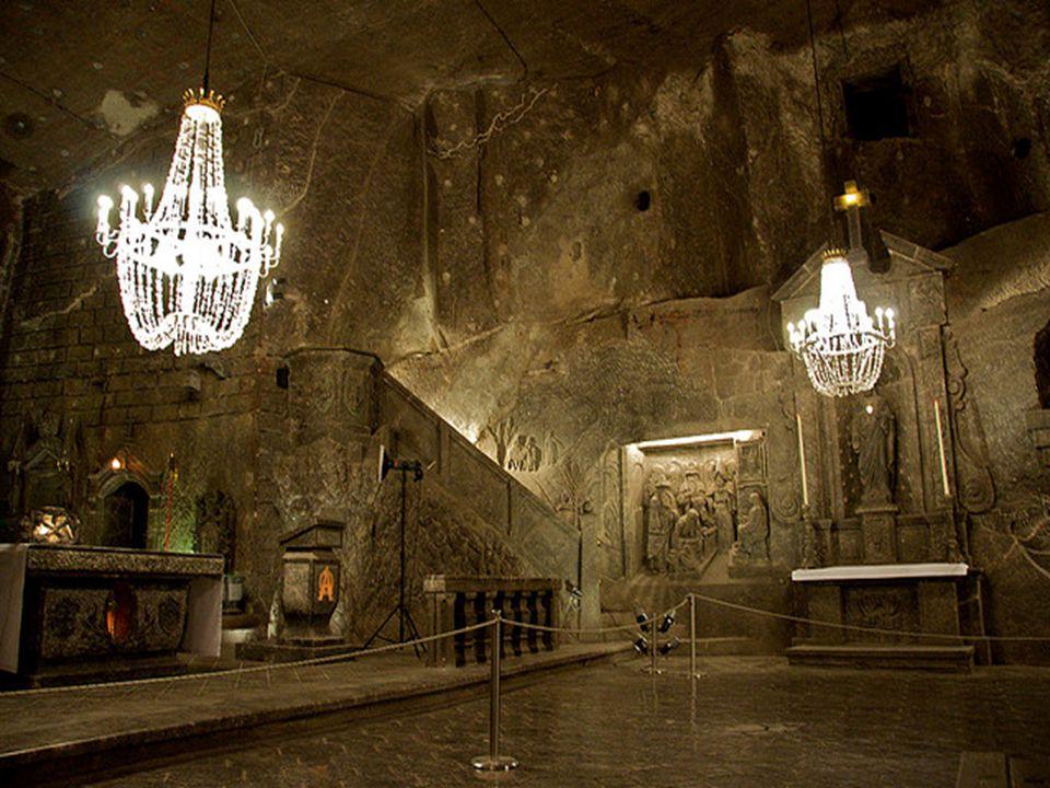 Vista de fora, a mina de sal de Wieliczka não tem nada de especial.
