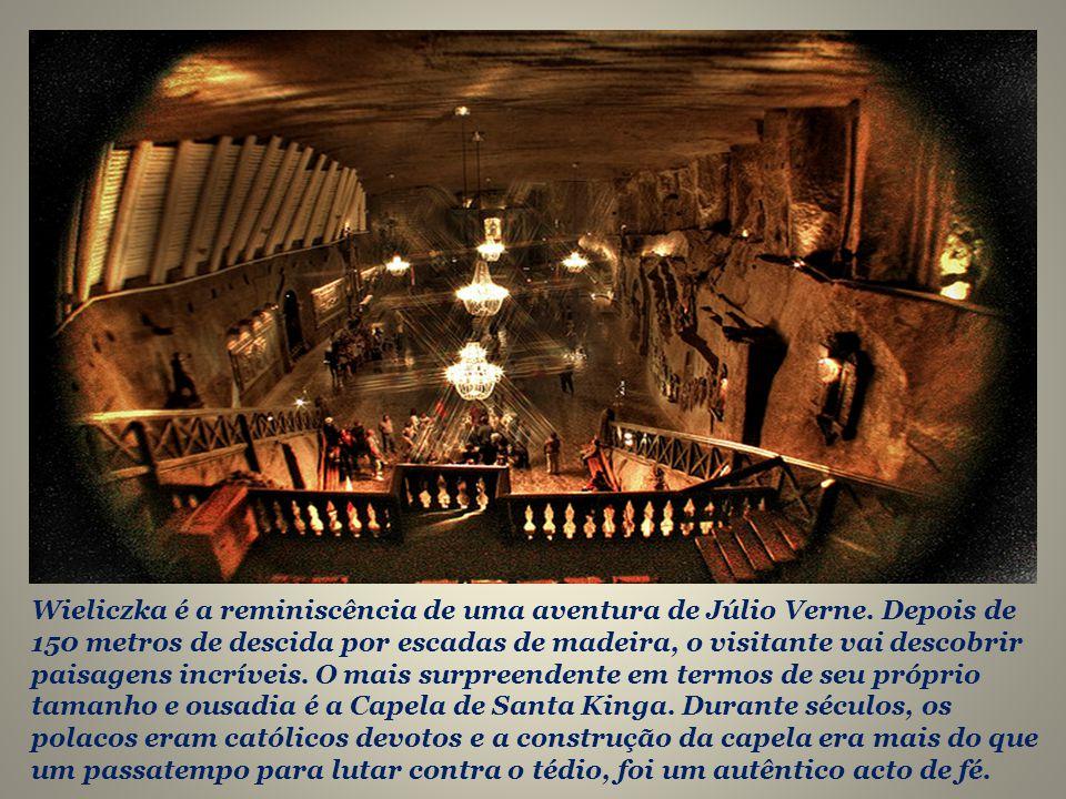 Eles até criaram capelas para as suas orações mas, o seu legado mais surpreendente é a enorme catedral subterrânea que construíram para a posteridade.