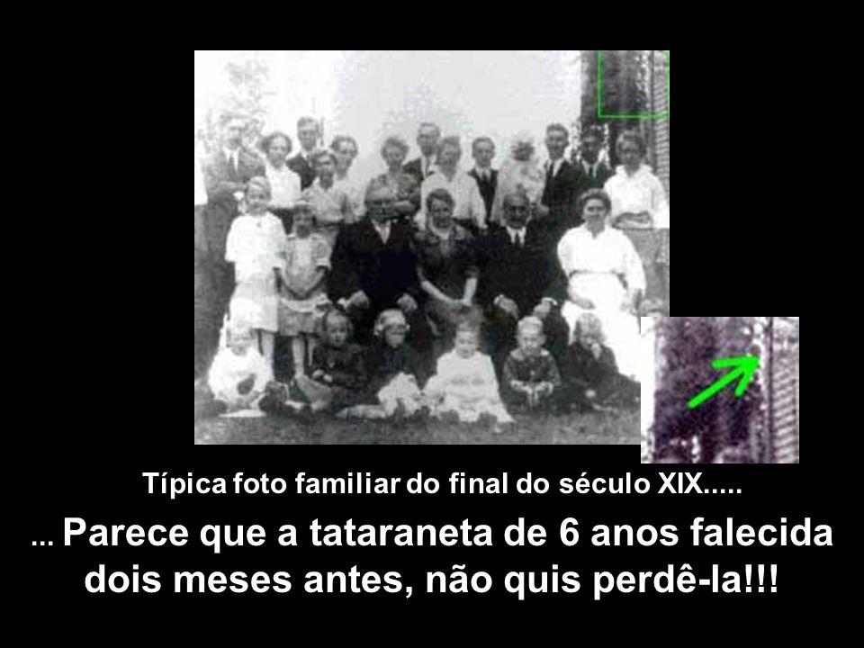 Típica foto familiar do final do século XIX........