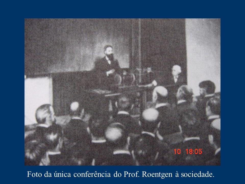 Foto da única conferência do Prof. Roentgen à sociedade.