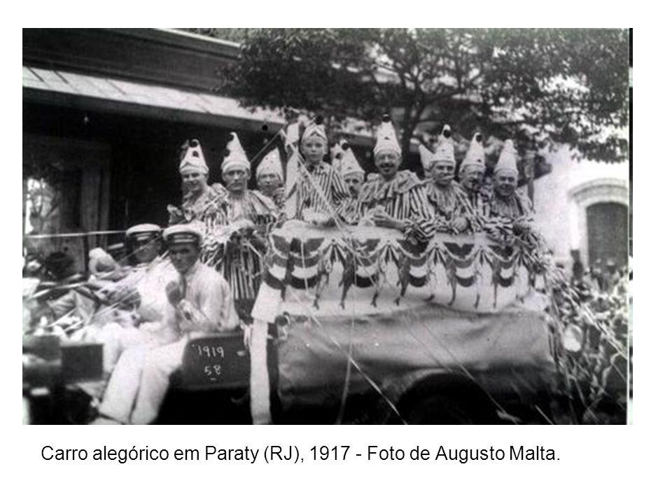 Carro alegórico em Paraty (RJ), 1917 - Foto de Augusto Malta.