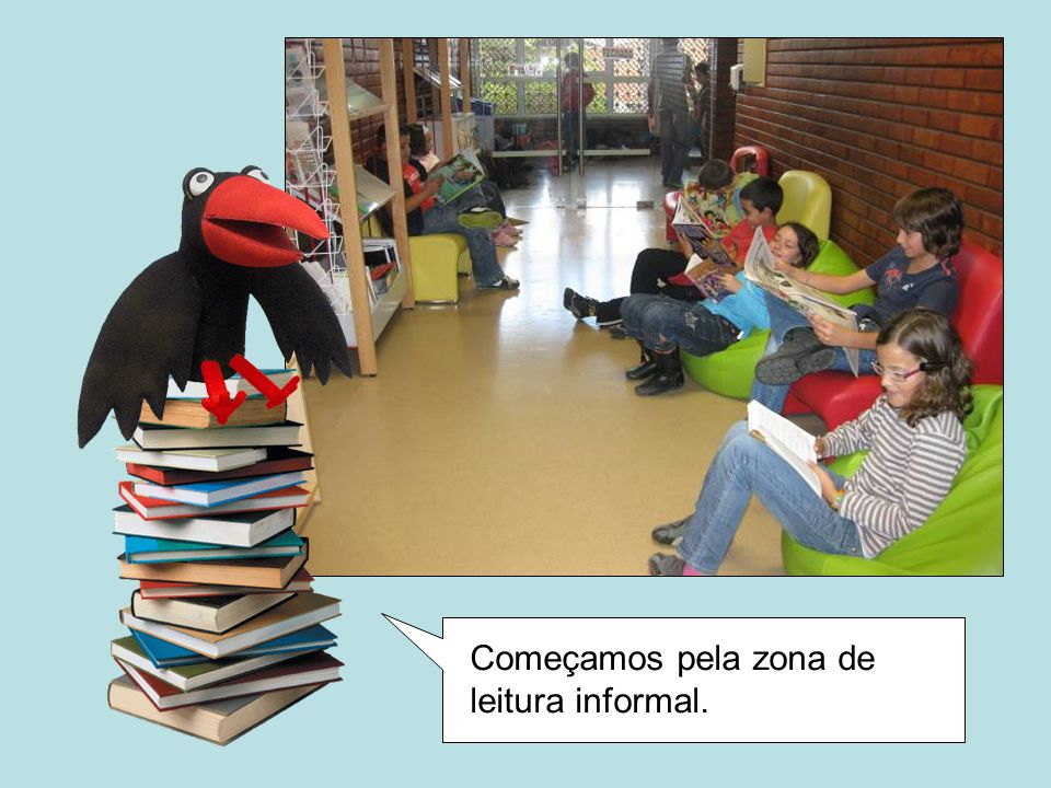 Mas há também a Biblioteca Municipal, que fica no centro de Porto de Mós, ao pé dos Bombeiros.
