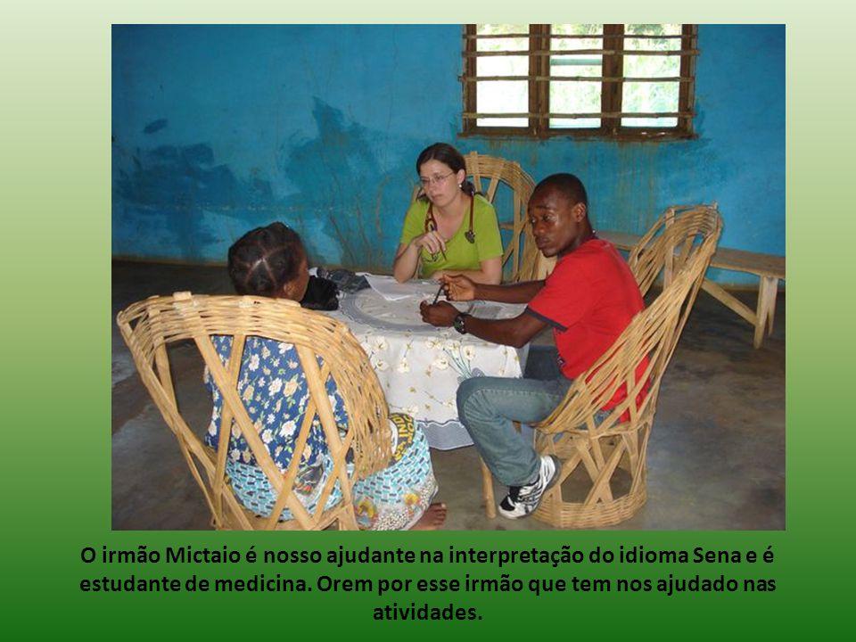O irmão Mictaio é nosso ajudante na interpretação do idioma Sena e é estudante de medicina.