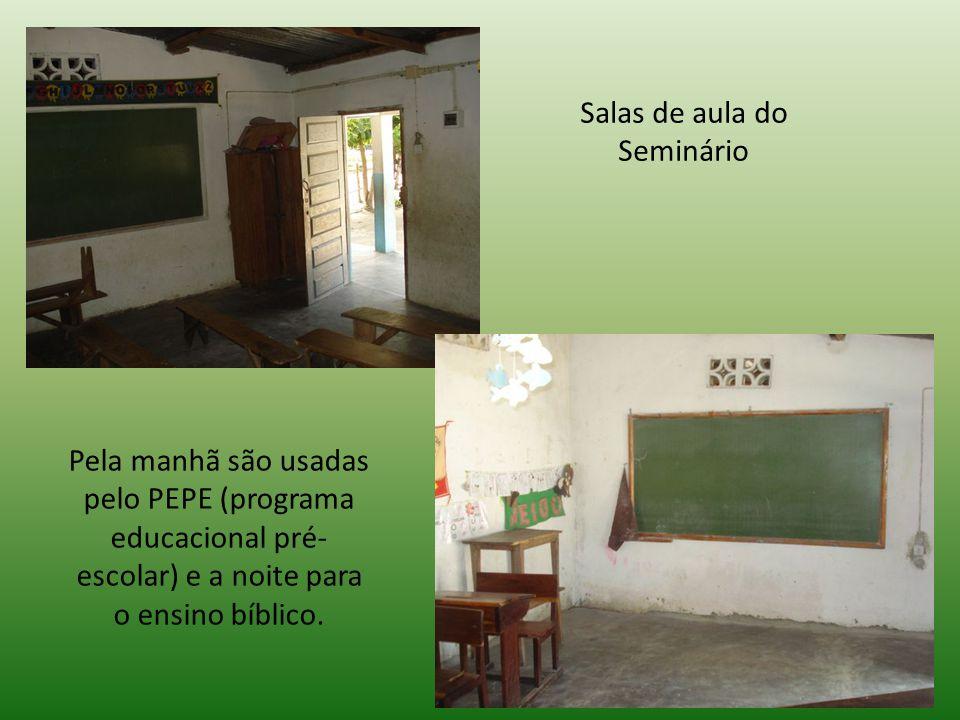 Salas de aula do Seminário Pela manhã são usadas pelo PEPE (programa educacional pré- escolar) e a noite para o ensino bíblico.