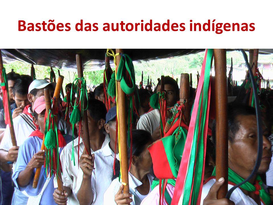 Bastões das autoridades indígenas