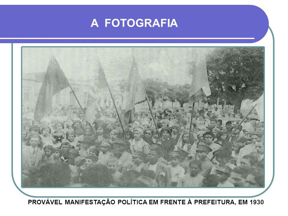 FOTOGRAFIA NOS CONTA UMA HISTÓRIA Visita de Getúlio Vargas à Cruz Alta A FOTOGRAFIA