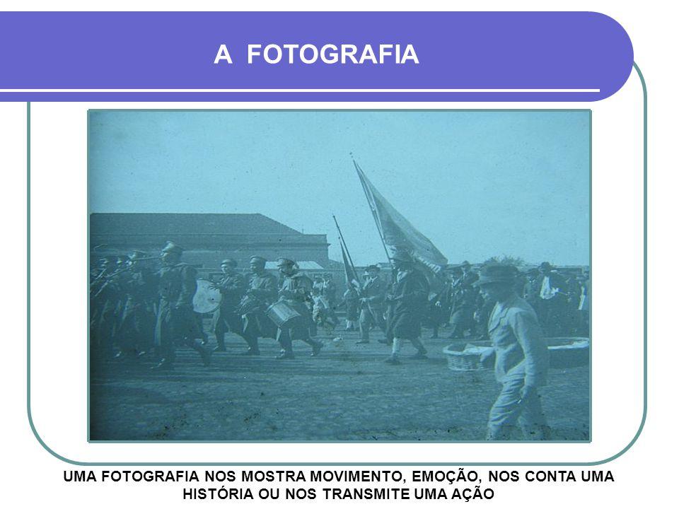 1929 OS IRMÃOS BATEM NOVA FOTO 33 ANOS DEPOIS, NAS MESMAS POSIÇÕES