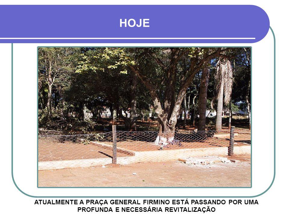 A FOTOGRAFIA ENGRAXATES E SEUS CLIENTES NA PRAÇA GENERAL FIRMINO NO INÍCIO DO SÉCULO 20