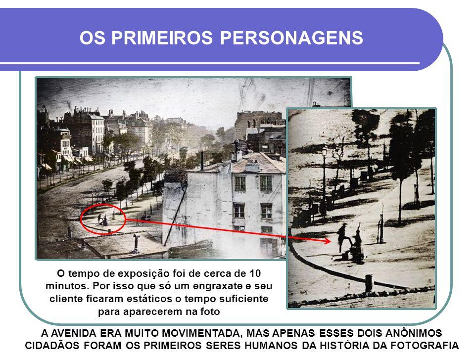 FOI TIRADA A PARTIR DE UM APERFEIÇOAMENTO DA TÉCNICA DE NIÉPCE - ACIMA, UMA VERSÃO COLORIZADA ARTIFICIALMENTE - 1838 - PARIS AVENIDA BOULEVARD DU TEMP