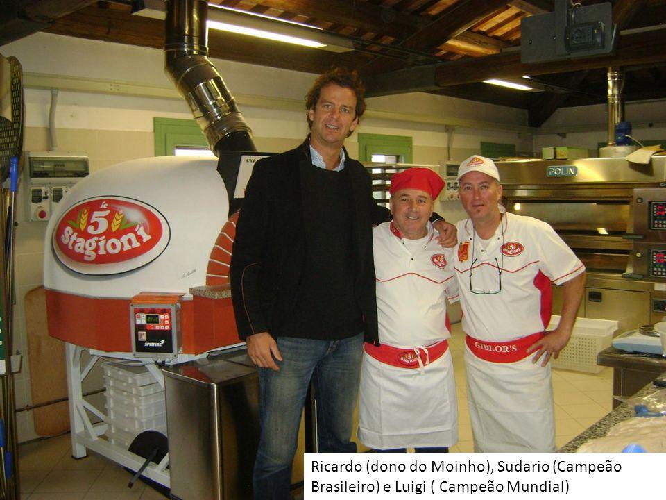 Ricardo (dono do Moinho), Sudario (Campeão Brasileiro) e Luigi ( Campeão Mundial)