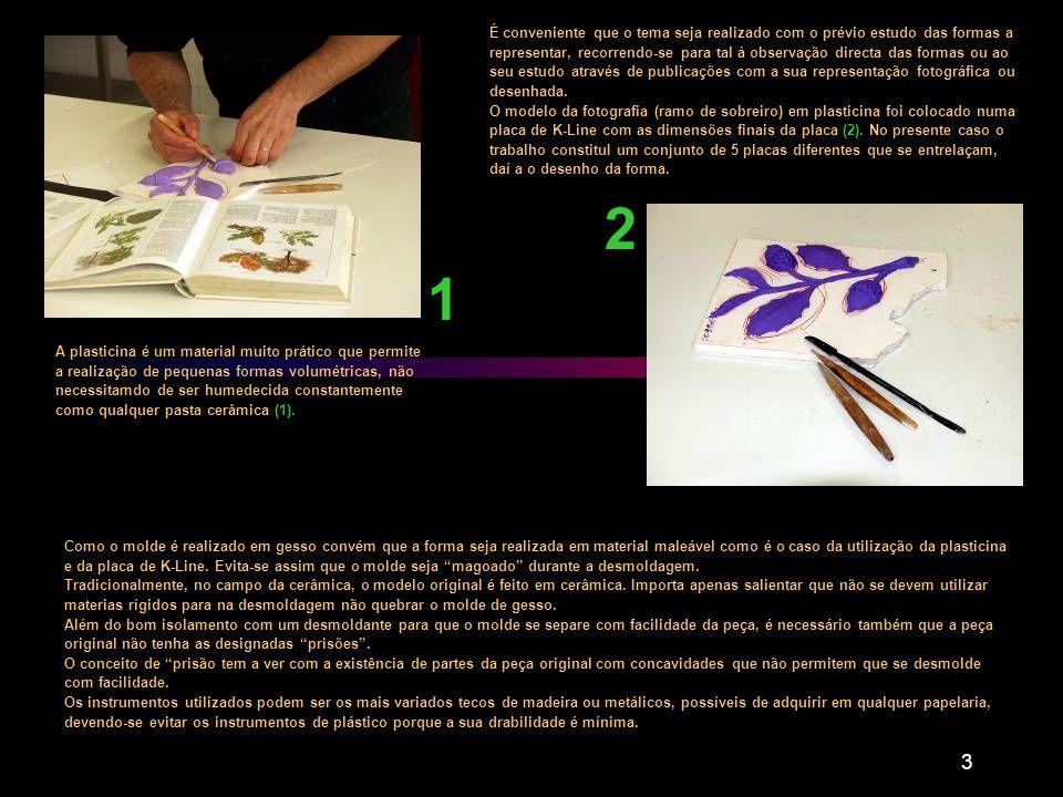 4 Preparação da mesa e placas para vasamento do gesso 3 4 O molde tem de ser realizado numa superfície impermeável, lisa e rígida, devendo ser perfeitamente isolada para se evitar a colagem do molde (3).