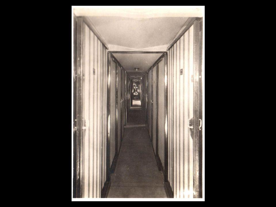 Os passageiros dispunham de cabines duplas com beliches
