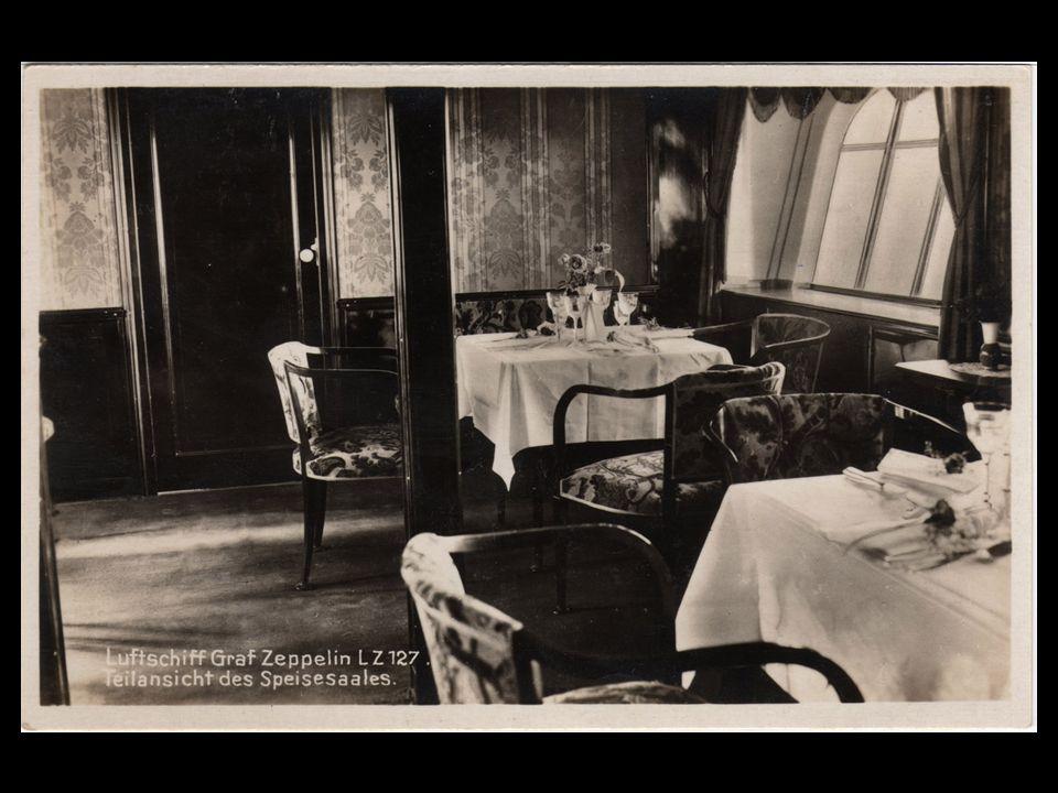 Sala de Estar, com o mapa mundi pintado na parede A Sala de Jantar