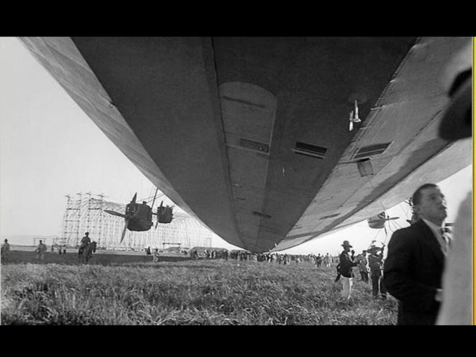 O gigantesco hangar, ainda existente, tem 274 m de comprimento, 58 m de altura e 58 de largura, e é orientado no sentido norte-sul.