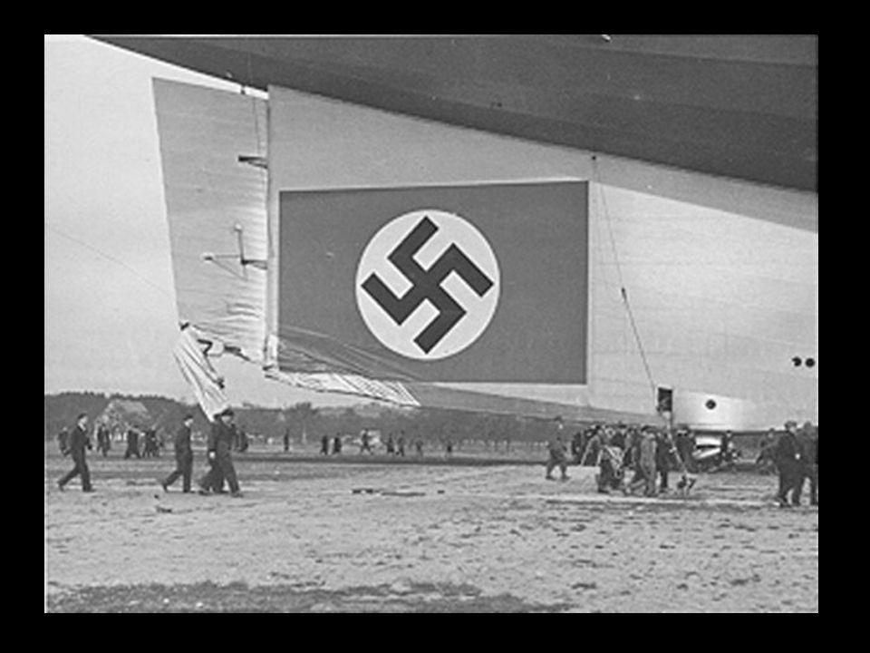 Ernst August Lehmann (1.936) na foto Lehmann aparece no interior do Graf Zeppelin