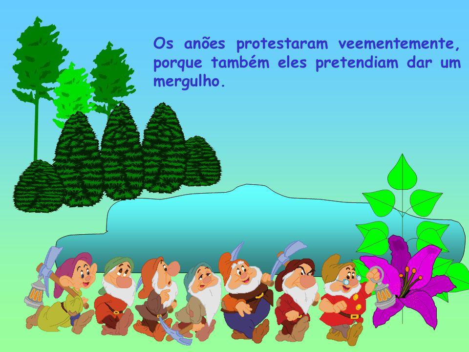 A Branca de Neve e os Sete Anões passeavam na floresta, quando a dada altura passam junto a um lago, com água cristalina.