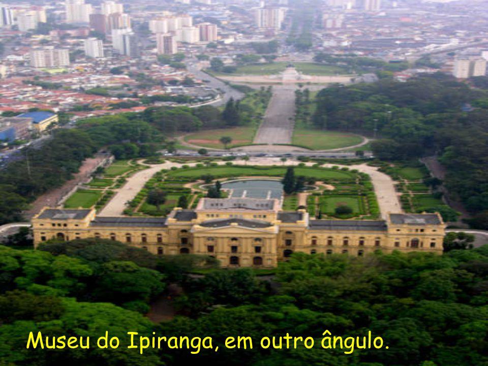 Museu do Ipiranga, em outro ângulo.