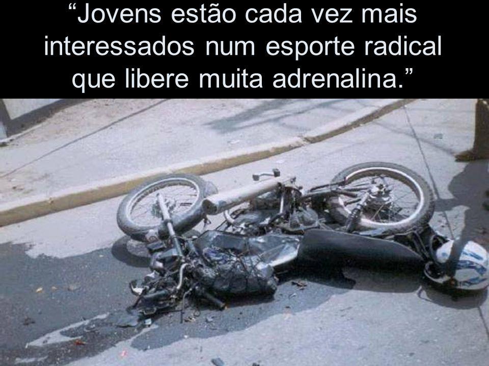 """"""" Motociclistas não obedecem sinalização""""..."""