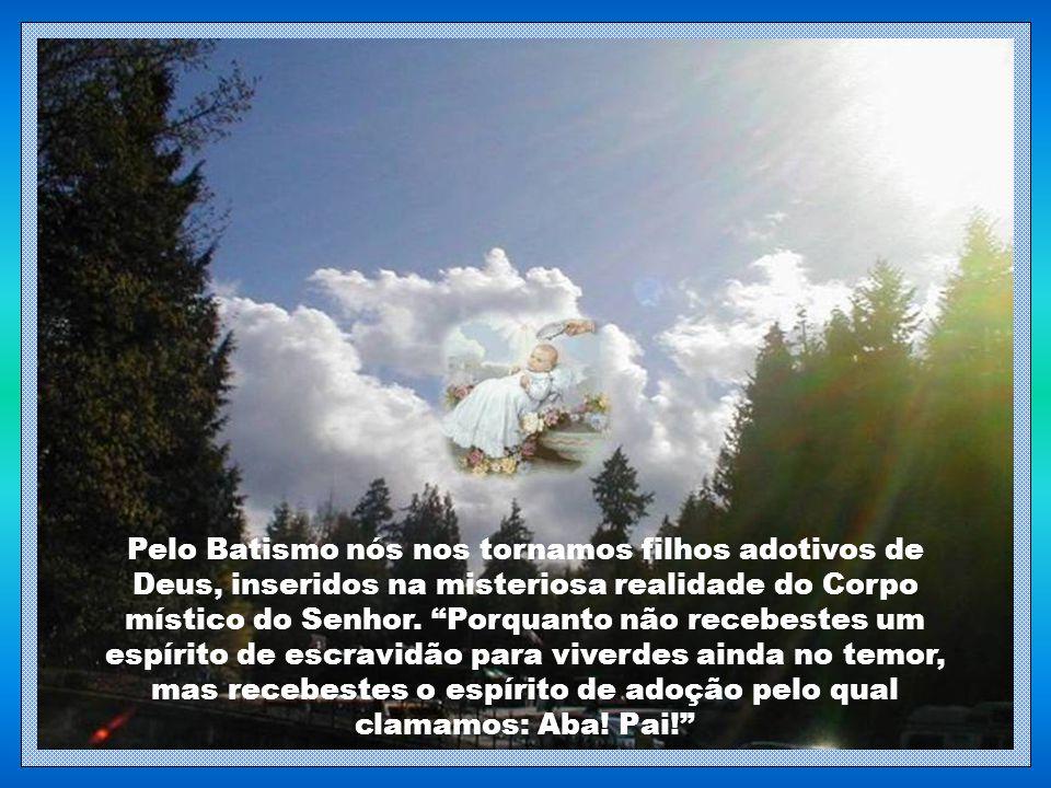 """""""Ide, pois, e ensinai a todas as nações; batizai-as em nome do Pai, do Filho e do Espírito Santo. Ensinai-as a observar tudo o que vos prescrevi. Eis"""