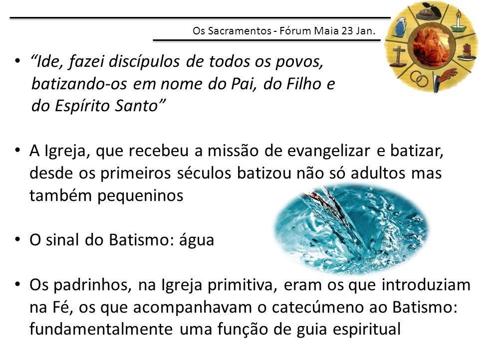 """""""Ide, fazei discípulos de todos os povos, batizando-os em nome do Pai, do Filho e do Espírito Santo"""" A Igreja, que recebeu a missão de evangelizar e b"""