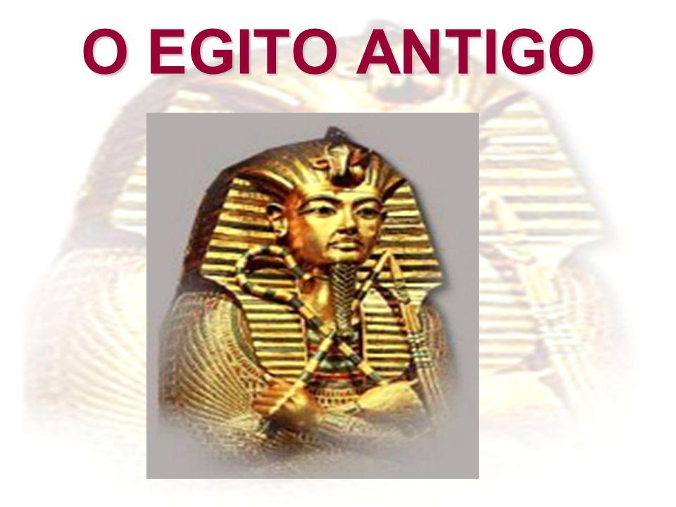 - Médio Império: - neste período os egípcios expandiram seu território em direção ao Sul, conquistando a Núbia, região rica em minerais, entre os quais o ouro.