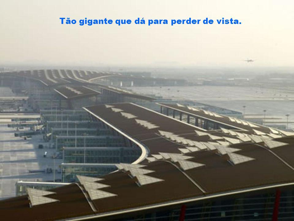 O maior e mais avançado aeroporto do mundo – não apenas em tecnologia – em eficiência, em sustentabilidade e cuidado com os passageiros. O novo aeropo