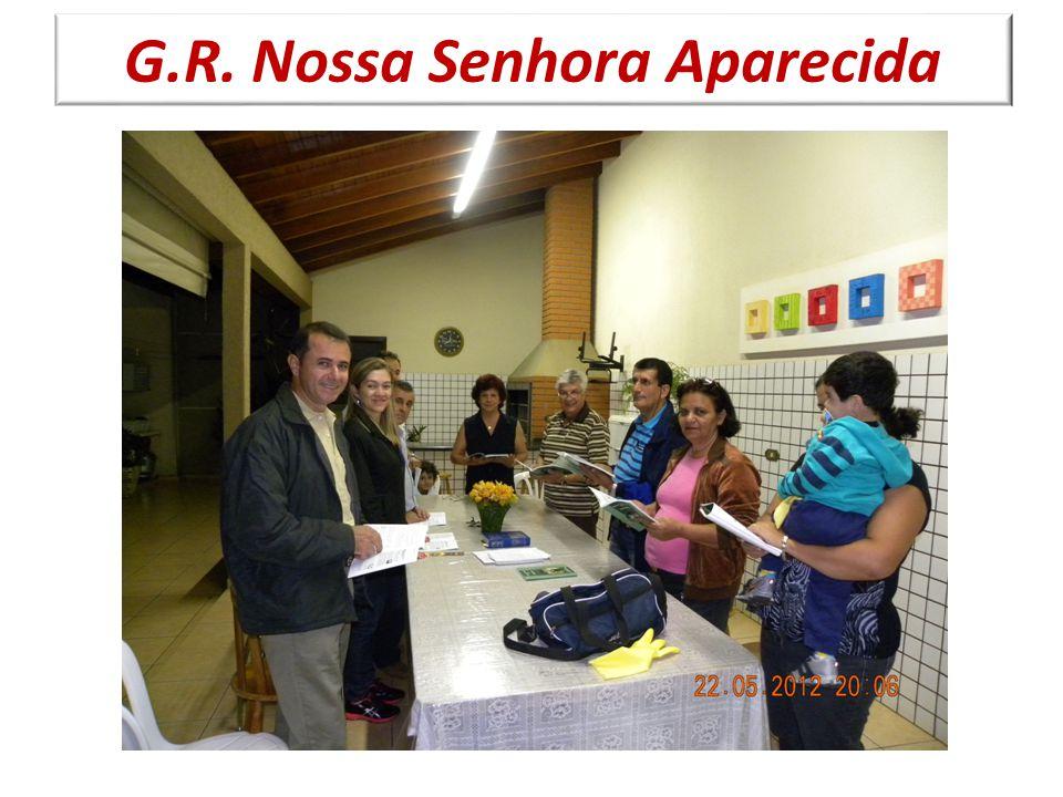 Regularmente são realizadas missa ou celebrações nas residências da comunidade