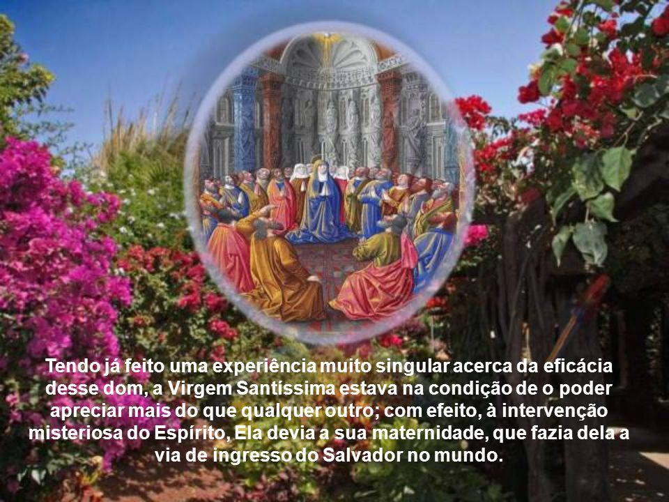 No clima de espera, predominante no Cenáculo após a Ascensão, qual é a posição de Maria em relação à descida do Espírito Santo? O Concílio sublinha ex