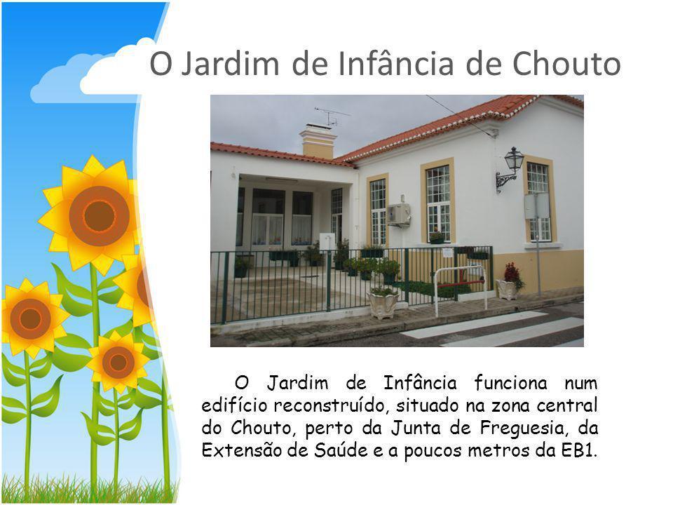 O Jardim de Infância de Chouto O Jardim de Infância funciona num edifício reconstruído, situado na zona central do Chouto, perto da Junta de Freguesia, da Extensão de Saúde e a poucos metros da EB1.
