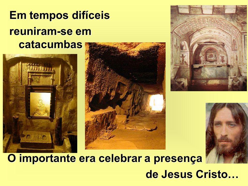 Reuniam-se nas suas casas com a família, amigos e vizinhos e celebravam a presença de Jesus Cristo nas suas vidas.