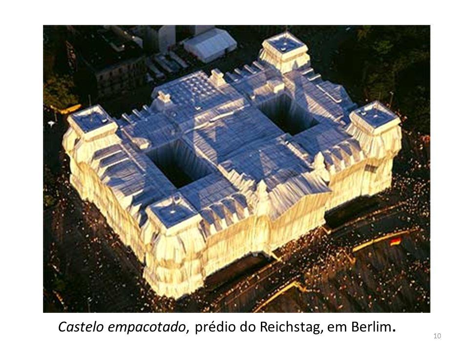 Castelo empacotado, prédio do Reichstag, em Berlim. 10