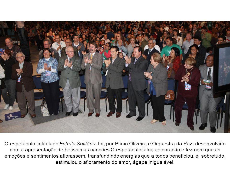 Homenagem Musical à Divaldo Franco A homenagem à Divaldo Pereira Franco foi conduzida pelo Coordenador do Setor de Artes da Federação Espírita do Paraná, Maestro e Compositor Plínio Oliveira.