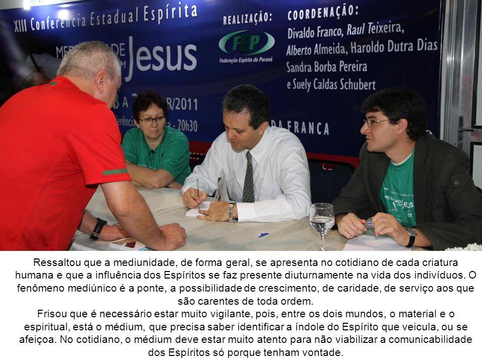 Conferência de Alberto Almeida Alberto Almeida, conferencista de Belém/PA, apresentou o tema Mediunidade nas Relações Interpessoais.