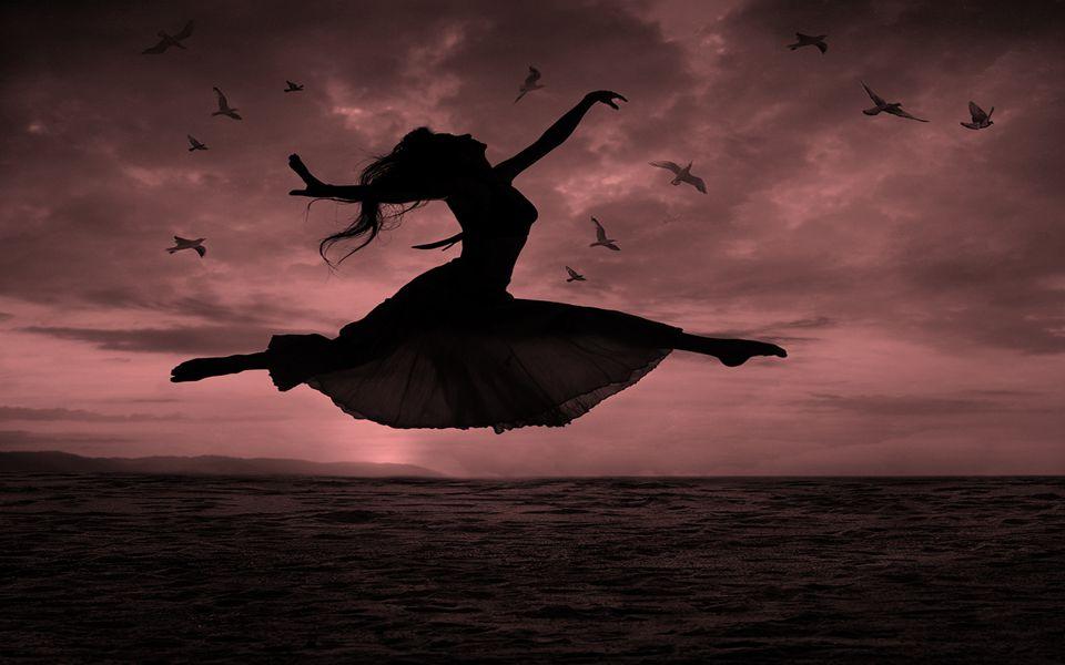 Apenas por hoje, procure perceber o som dos pássaros... Faça uma pausa, inspire o som da natureza e renove suas emoções interiores...