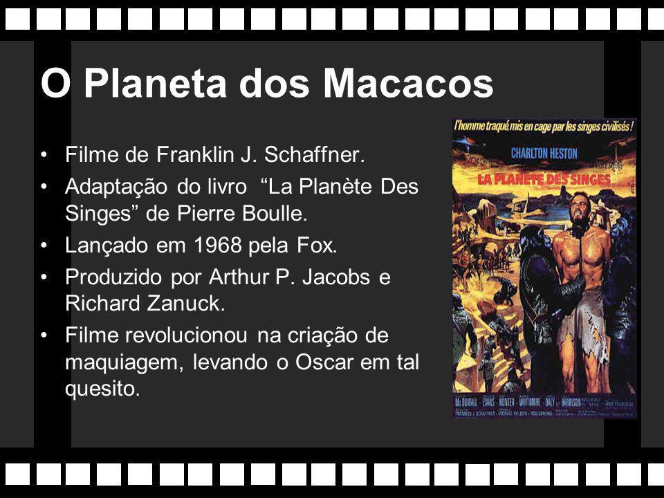 """007 Adaptado para o cinema da obra literárea de Ian Fleming. """"Dr. No"""", o primeiro filme da série, foi lançado em 1962, e dirigido por Terence Young. P"""