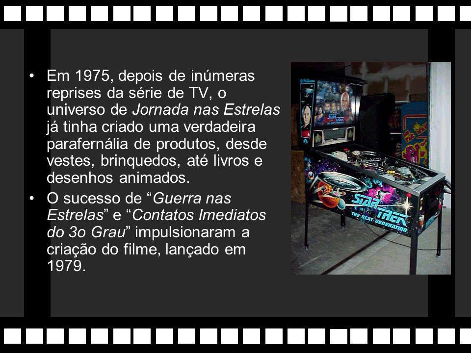 Jornada nas Estrelas Filme é lançado em 1979, baseado na série de TV de igual nome. Dirigido por Robert Wise. Série original, criação de Gene Roddenbe