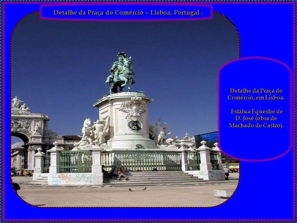 Arco do Triunfo – Paris, França. O Arco do Triunfo é um monumento em Paris construído em 1836 para comemorar as vitórias militares de Napoleão Bonapar