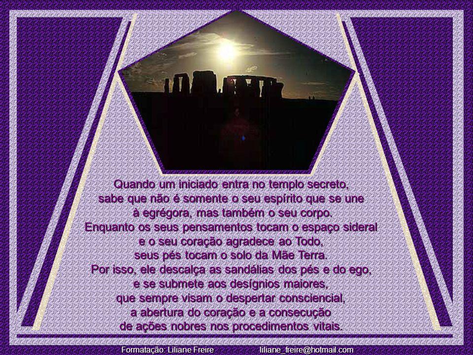 Formatação: Liliane Freire liliane_freire@hotmail.com A CANÇÃO SECRETA DOS INICIADOS DE TODAS AS ERAS