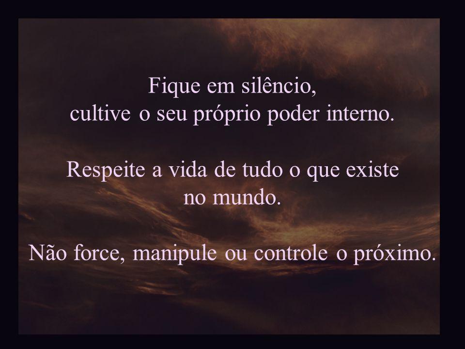 Porém, tem que ter cuidado para que o ego não se infiltre… O Poder permanece quando o ego se mantém tranquilo e em silêncio. Se o ego se impõe e abusa
