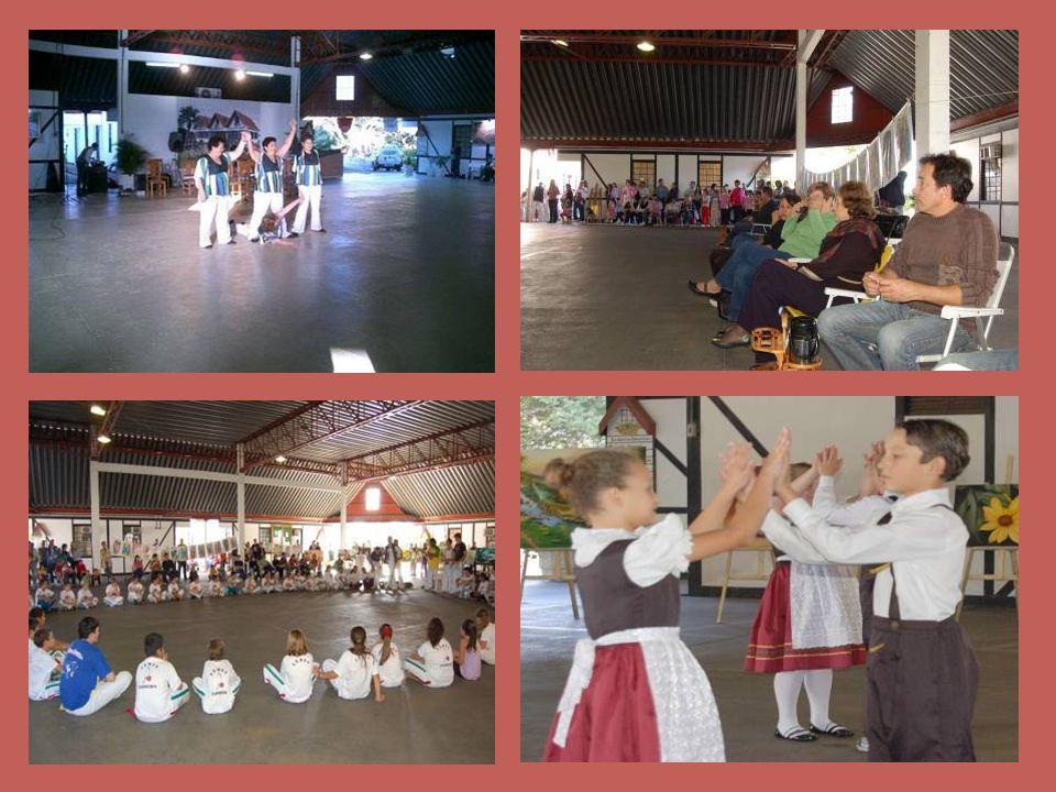 Neste projeto, a Secretaria dá oportunidade para que as entidades culturais do município possam mostrar à população os trabalhos desenvolvidos.