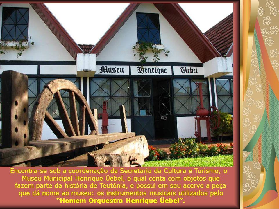 O Departamento de Turismo divulga o município e incentiva as atividades da Associação da Rota Germânica. A partir do ano de 2009, por iniciativa da Se