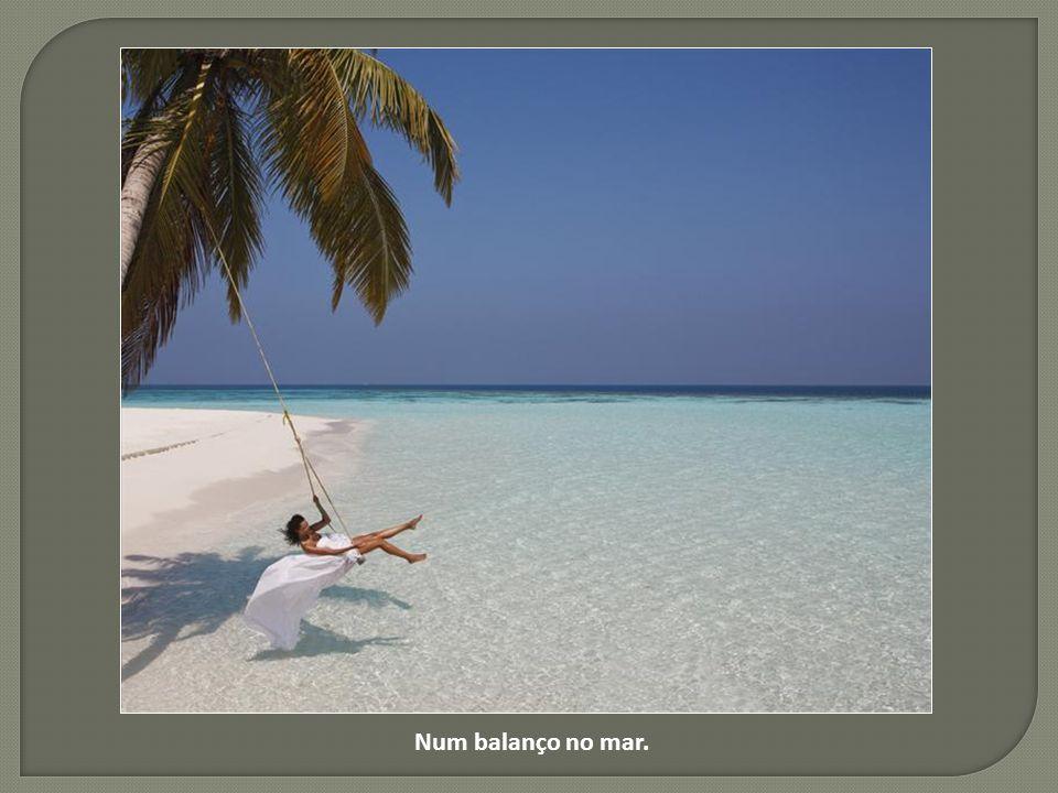 Neste Bangalô flutuante nas Maldivas.