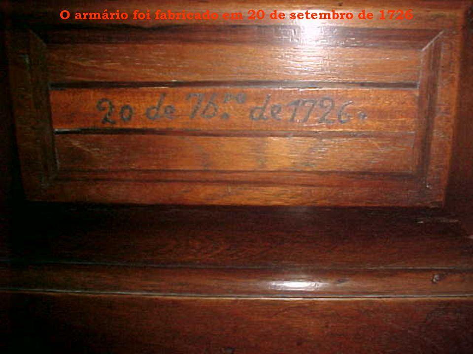 O armário foi fabricado em 20 de setembro de 1726