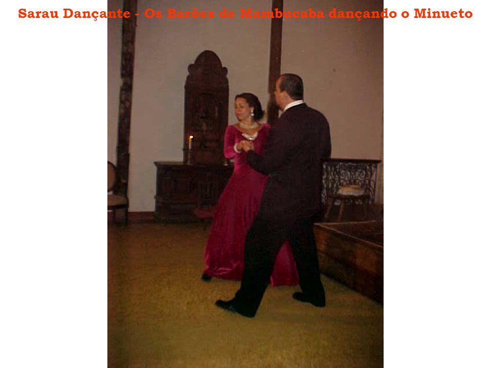 Sarau Dançante - Os Barões de Mambucaba dançando o Minueto