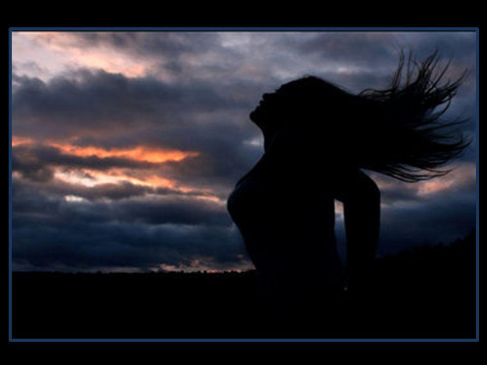 E se fosse bicho, aposto que seria um beija-flor... Se eu pudesse vestir a tal da alegria, ela seria um vestido de linho, branco, bordado no peito, be