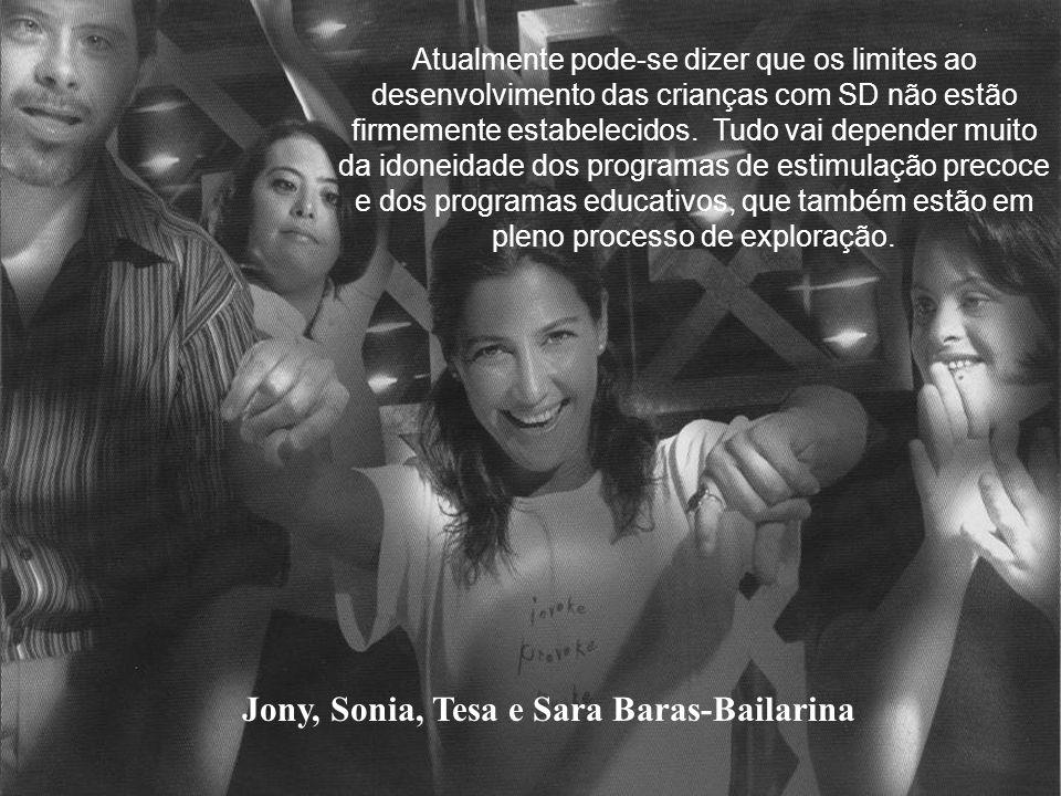 Ana, Álvaro, Rocío e Ana Duato-Atriz. As crianças com SD, têm uma gama completa de emoções e atitudes. Em seus jogos e travessuras, são criativos e im