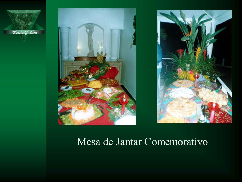 Mesa de Jantar Comemorativo
