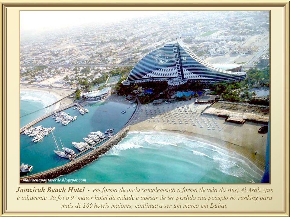 Outro dos muitos pontos de destaque do Burj Arab Hotel é seu Lobby – o mais alto de todo o mundo. A extravagância a tudo se estende: na recepção, água