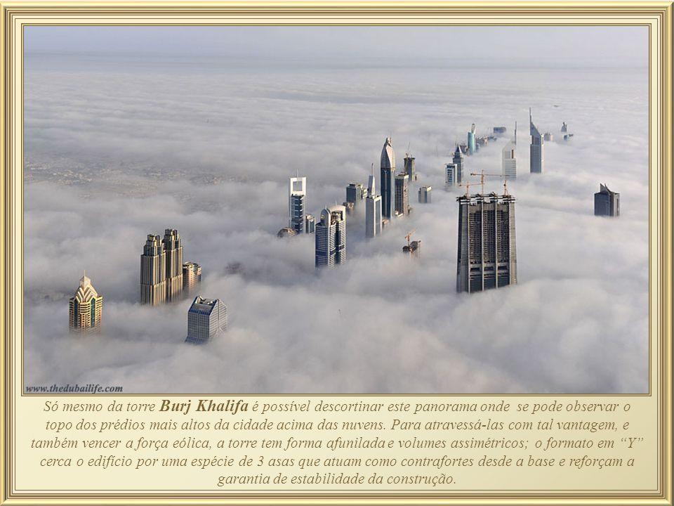 Apenas alguns anos atrás esta foto teria sido nada além de deserto, mas hoje a Cidade Velha de Dubai pode se ufanar por possuir o prédio mais alto do