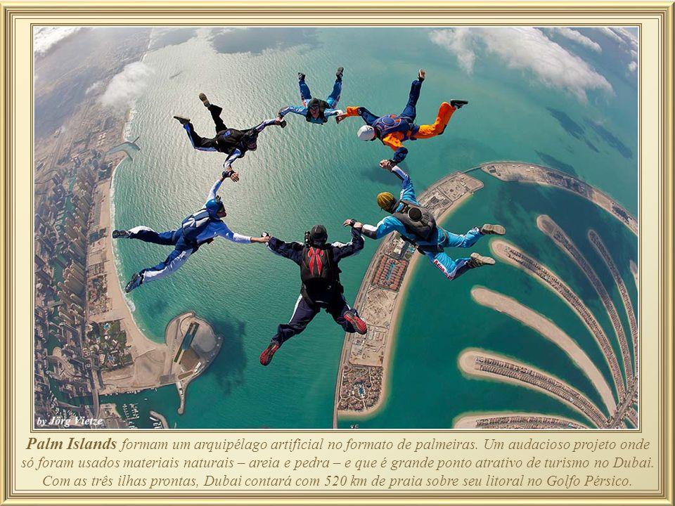 As Palm Islands estão situadas no Golfo Pérsico e vão acrescentar 520 km de praias para a cidade de Dubai até o final de sua construção. Cada assentam